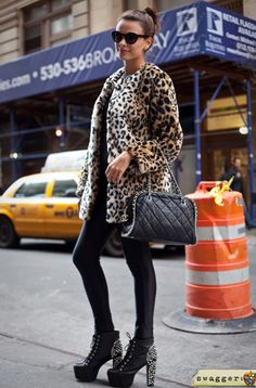 Brazilian Blogger, Nicole Bernardes on Broadway, swagger