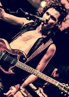 Jelte with his sweet sexy SG , shot by Don Crusio
