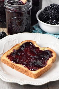 Theres nothing quite as tasty as homemade blackberry jam on toast for breakfa Theres nothing quite as tasty as homemade blackberry jam on toast for breakfast. Source by mellockcuff Homemade Blackberry Jam, Blackberry Jam Recipes, Fruit Recipes, Baby Food Recipes, Drink Recipes, Breakfast Crockpot Recipes, Vegetarian Breakfast Recipes, Christmas Breakfast, Sweet Treats