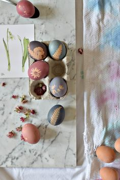 Easter eggs color flowers