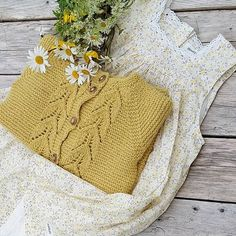 🌼Midtsommer🌼 #strikk #strikking #strikket #strikkedilla #knitsandpieces #bladrillejakke #newbielovers #ministil #barnemote #norskbarnemote #strikke #knitting_inspiration #strik #stricken #itsybitsyknits #knit #knitting #knitted #barnestrikk #knitforkids #knittersofinstgram #knitstagram #instaknit #knitspiration