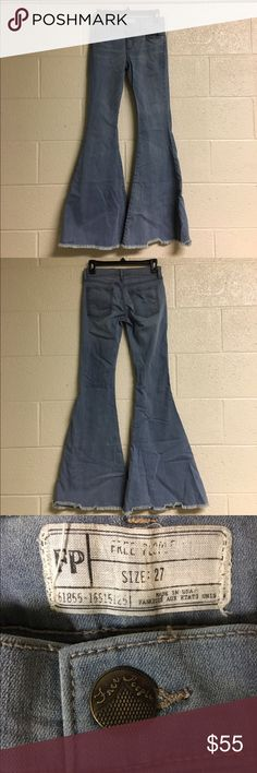 """Free people Apple blue super flare jeans Free people Apple blue super flare jeans. 49% rayon, 32% cotton, 17% polyester, 2% spandex. Machine wash cold. Waist 27"""", Inseam 35"""". Worn twice. Price is negotiable and ships next day. Free People Jeans Flare & Wide Leg"""