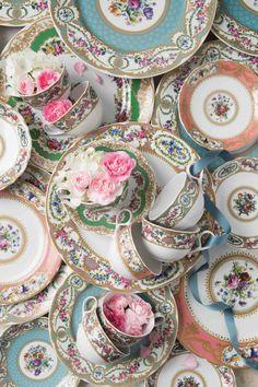 Antique China, Vintage China, Victoria Magazine, Shabby Chic Antiques, Tea Cup Set, Tea Sets, China Patterns, Antique Prints, China Porcelain