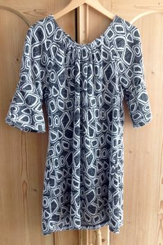 Black and white tunique with bellsleeves