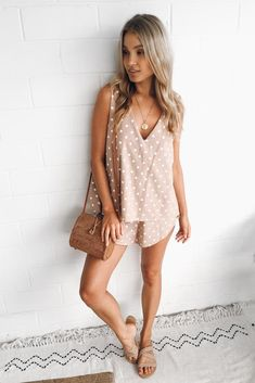 Shop our selection of gorgeous dresses, playsuits, tops, accessories, homewares, beauty products and more. Free shipping on AU orders over $125*