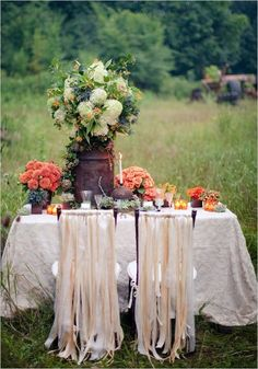 Fall tablescape.  This is lovely.  I want to do this in my yard one day, just because!