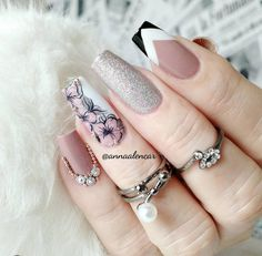 The Most Beautiful and Glamorous Acrylic Nail Art Designs Love Nails, Pretty Nails, Fun Nails, Linda Nails, Chic Nail Art, Pink Ombre Nails, Magic Nails, Luxury Nails, Prom Nails