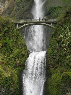 Multnomah Falls;  Google Image Result for http://www.marcad.com/travel/Oregon/Multnomah%2520Falls_small.jpg