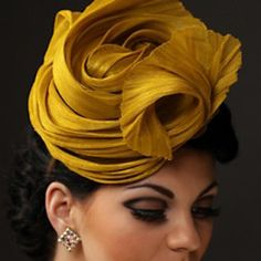 aMuse: Artisanal Finery. I'm not usually a fan of fascinators, but this is lovely.