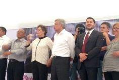 """El presidente nacional de Morena, Andrés Manuel López Obrador, reveló que después de las elecciones de 2012 pensó en retirarse de la disputa presidencial, pero reflexionó y cambió de parecer, aunque con ello dio una desilusión a la """"mafia del poder"""". En el centro de Coyoacán, respaldado por la comunidad de intelectuales y artistas […]"""