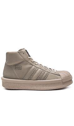 Pro Model Sneakers