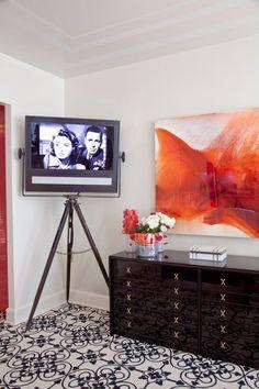 13 Clever Hidden TV Ideas - How to Hide a TV, According to Top Designers Sliding Panels, Oak Panels, Tv In Bedroom, Bedroom Ideas, Master Bedroom, Bedroom Decor, Hidden Tv, Hidden Desk, Condo Decorating