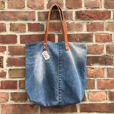 Und noch eine Jeanstasche  #nähenmachtglücklich #nähenistwiezaubernkönnen #nähen #jeans #jeanstasche #upcycling #shopperbag