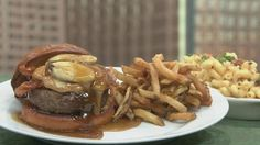 The Fat Elvis Burger, Can you say weird?!  Gonna have to try this one day!