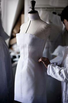 Cannes 2015: La robe Dior haute couture de Marion Cotillard en 4 etapes de…