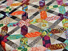 Of all the x/+ quilts I've seen, I feel like Holly's is my favorite. Love her choices of color/print combinations. Bijou Lovely | 23weekend sewing.