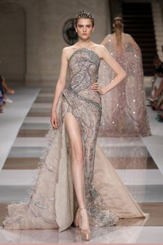 Ziad Nakad for Haute Couture Paris Haute Couture Paris, Style Haute Couture, Haute Couture Dresses, Couture Fashion, Fashion 2020, Runway Fashion, Fashion Show, Collection Couture, Costume