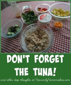 Tuna is a lifesaver sometimes. Here are several ideas for ways to put great meals together with tuna. Quick Recipes, Real Food Recipes, Free Recipes, Easy Weekday Meals, Easy Meals, Healthy Kids, Healthy Living, Drop Biscuits, Frugal Meals