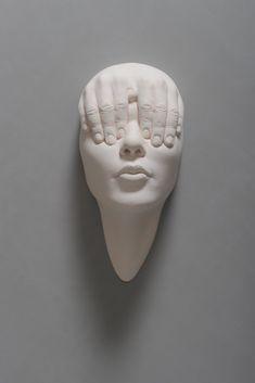 Johnson Tsang é um artista natural de Hong kong focado em esculturas feitas de cerâmica e aço inoxidável, trabalhando também com projetos de arte pública....