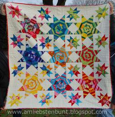 Quilt Nr. 5, Sternenquilt.jpg by KristinaMariaS, via Flickr. Love this!