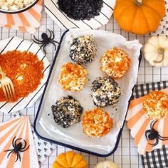 Halloween Popcorn Balls Christmas Popcorn, Halloween Popcorn, Pumpkin Creme Brulee, Popcorn Balls, Dinner With Ground Beef, Smoothie Recipes, Juice Recipes, Egg Recipes, Cooking Recipes