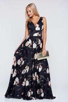 Comanda online, Rochie PrettyGirl crem eleganta in clos cu imprimeuri florale. Articole masurate, calitate garantata!