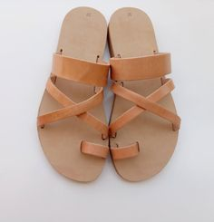 ♥ A pair of high quality,100% genuine Greek leather sandals ♥ You can wear them all day, they are very comfortable ♥ Perfect for everyday adventures, beach, bridal !!! Make a simple measurement to make sure you get the right size! If you take half size, go UP to the nearest whole size Ladies shoe sizes EU________35........36..........37...........38........39..........40...........41.......42 UK________2..........3-3.5.......4.............5..........6............6.5.........7.........8…