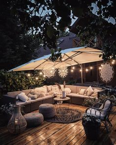 Apr 2020 - Page dedicated to home and interior design enthusiasts. See more ideas about Home decor, Interior design and Home. Outdoor Rooms, Outdoor Gardens, Outdoor Living, Outdoor Decor, Backyard Patio Designs, Backyard Landscaping, Patio Ideas, Ideas Terraza, Back Garden Design