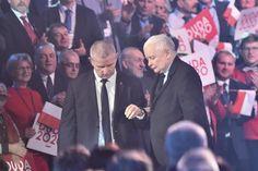 Kaczyński schodzi ze sceny politycznej przy pomocy męskiego partnera prowadzącego udział Kaczyńskiego w kampanii Dudy 2020 Fictional Characters, Fantasy Characters