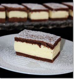 Ez a sütemény egyszerűen elkészíthető, aránylag olcsóbbnak mondható, és szerintem még az ünnepi asztalon is megállja a helyét. A két t... Sweet Desserts, Sweet Recipes, Dessert Recipes, Hungarian Recipes, Food Humor, Chocolate Recipes, No Bake Cake, Amazing Cakes, Food To Make