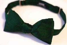 Emerald Green Bow Tie - Emerald Raw Silk Bow Tie - Dark Green Bowtie - Wedding Bow Tie - Groomsmen Bow Ties by VIVIDClothingToronto