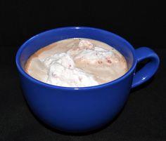 LCHF varm kakao med hindbærflødeskum