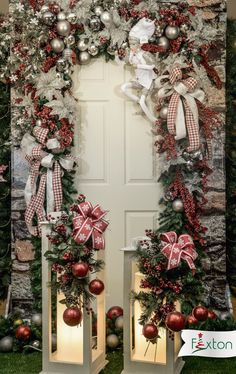 23 Clever DIY Christmas Decoration Ideas By Crafty Panda Christmas Mantels, Christmas Home, Christmas Wreaths, Xmas, Christmas Ideas, Family Christmas Pictures, All Things Christmas, Rose Gold Christmas Decorations, Holiday Decor