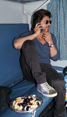 Shah Rukh Khan Quotes, Cute Wallpapers Quotes, Vijay Devarakonda, Aishwarya Rai, Shahrukh Khan, Zayn Malik, Celebrity Style, Bollywood, Hipster