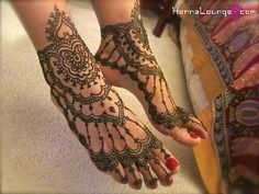 Henna feet...love this!