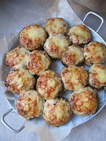 Ma mère nous préparait souvent ce plat, que nous aimions beaucoup. Une béchamel , du jambon blanc et du fromage, rien de compliqué mais c'e...
