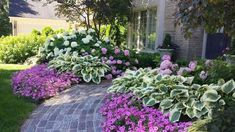 40+ Gorgeous Front Yard Landscaping Inspirations on a Budget #LandscapeOnABudget