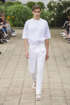Hien Le Spring-Summer 2017 - Mercedes-Benz Fashion Week Berlin