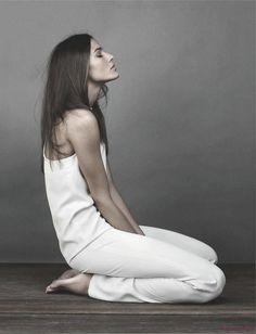 chic minimale: chiara baschetti by giovanni gastel for amica april 2012