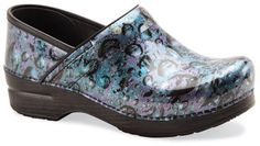 The Dansko Multi Raindrop Patent from the Professional collection. Dansko shoes give support for long hours in the lab and wash up well for any splashes.