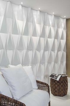 CASTELATTO WATSAP: 35 98871 2692 Interior Walls, Home Interior Design, 3d Wall Tiles, Living Room Tv, Light And Shadow, Colour Images, Brick Wall, Wall Design, Bed Pillows