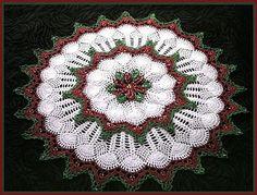 """""""Mania do Crochê"""": toalhinha de croche  would love to make this for Christmas."""