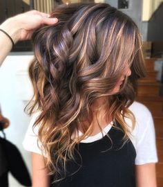 Ribbon Highlights Are The Latest Hair Trend We're Obsessed With Brunette Hair Color, Hair Color And Cut, Brown Hair Colors, Hair Color For Spring, Hair Colour, Hair Color Ideas For Brunettes For Summer, Fall Hair Colors, Dark Colors, Balayage Hair, Ombre Hair