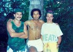 Pablo Escobar recruited El Chino to become his personal picture taker, documenting his political campaigns, private parties, and the various goings-on at Escobar's outlandish estate. Pablo Emilio Escobar, Don Pablo Escobar, Pablo Escobar Family, Narcos Pablo, Colombian Drug Lord, Manolo Escobar, Real Gangster, Mafia, Survival Skills
