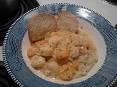 Easy Shrimp and Scallop in White Wine Sauce