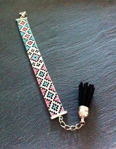 Loom Bracelet Patterns, Bead Loom Bracelets, Bead Loom Patterns, Beading Patterns, Tassel Jewelry, Diy Jewelry, Beaded Jewelry, Handmade Jewelry, Jewelry Making