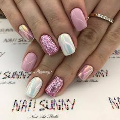 Super cute nails, manicures, nail designs, and nail art! Fancy Nails, Trendy Nails, Love Nails, Pink Nails, How To Do Nails, Pink White Nails, Chorme Nails, Glitter Toe Nails, Pink Holographic Nails
