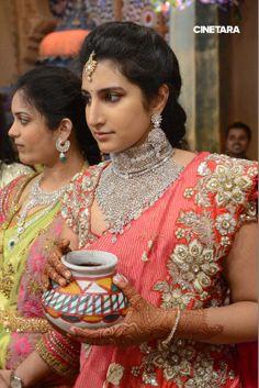 varun d jani jewellery designs Saree Photoshoot, Bridal Blouse Designs, Fancy Sarees, South Indian Bride, Beautiful Saree, Beautiful Women, Saree Wedding, Wedding Dress, Beauty Women
