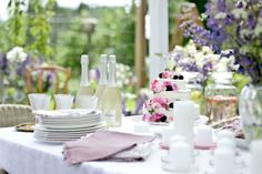 Table Decorations, Party, Furniture, Home Decor, Food, Decoration Home, Room Decor, Essen, Parties