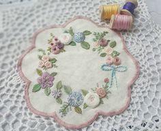 #자수 #일상 #취미 #프랑스자수 #광양프랑스자수 #순천프랑스자수 #embroidery #stitch #needlework - @naive1607